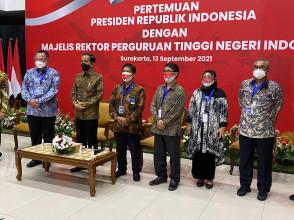 Rektor UPNVJ Hadiri Majelis Rektor Perguruan Tinggi Negeri Indonesia Lakukan Audiensi dengan Jokowi di Solo