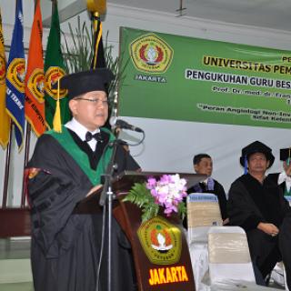 Pengukuhan Guru Besar Fakultas Kedokteran Prof. Dr. med. dr. Frans Santosa