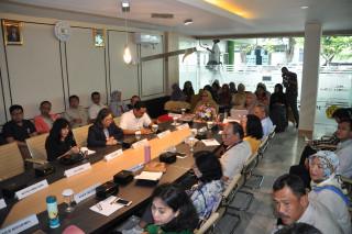 Rektor Gelar Kegiatan  Pelaporan Capaian Kinerja Dekan Fakultas Teknik  & Fakultas Ekonomi Bisnis UPNVJ